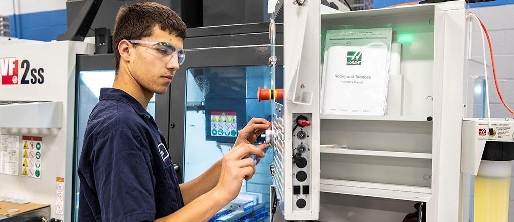 Precision Machining & Manufacturing Student